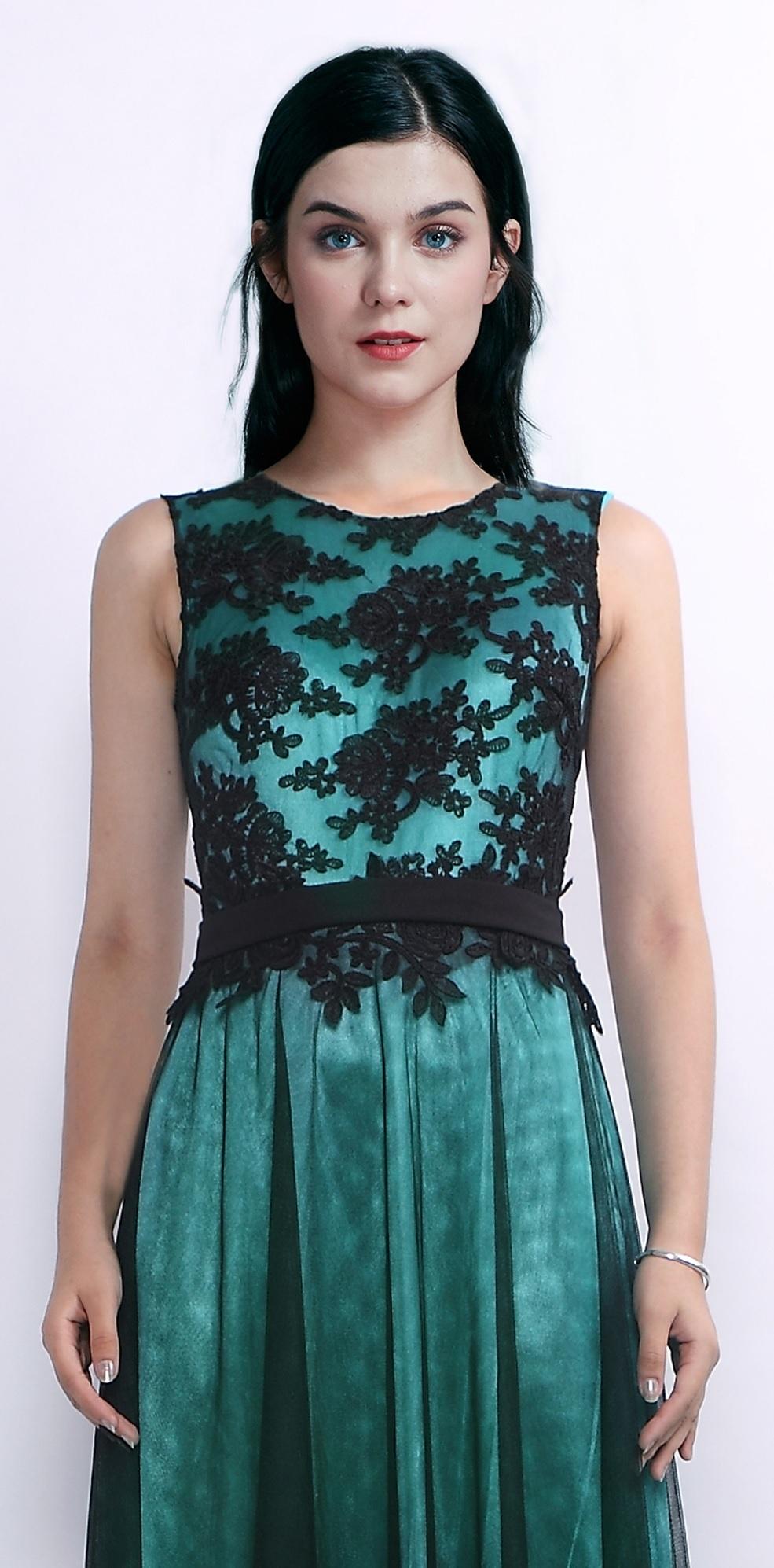 d346120918f3 ... zelené Plesové šaty Lékořice