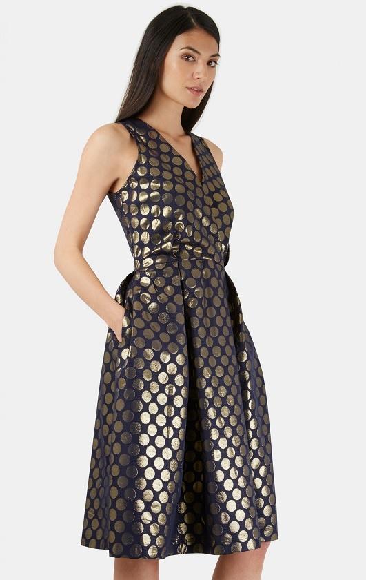 634f79e40d5a ... Společenské šaty se zlatými puntíky Laura