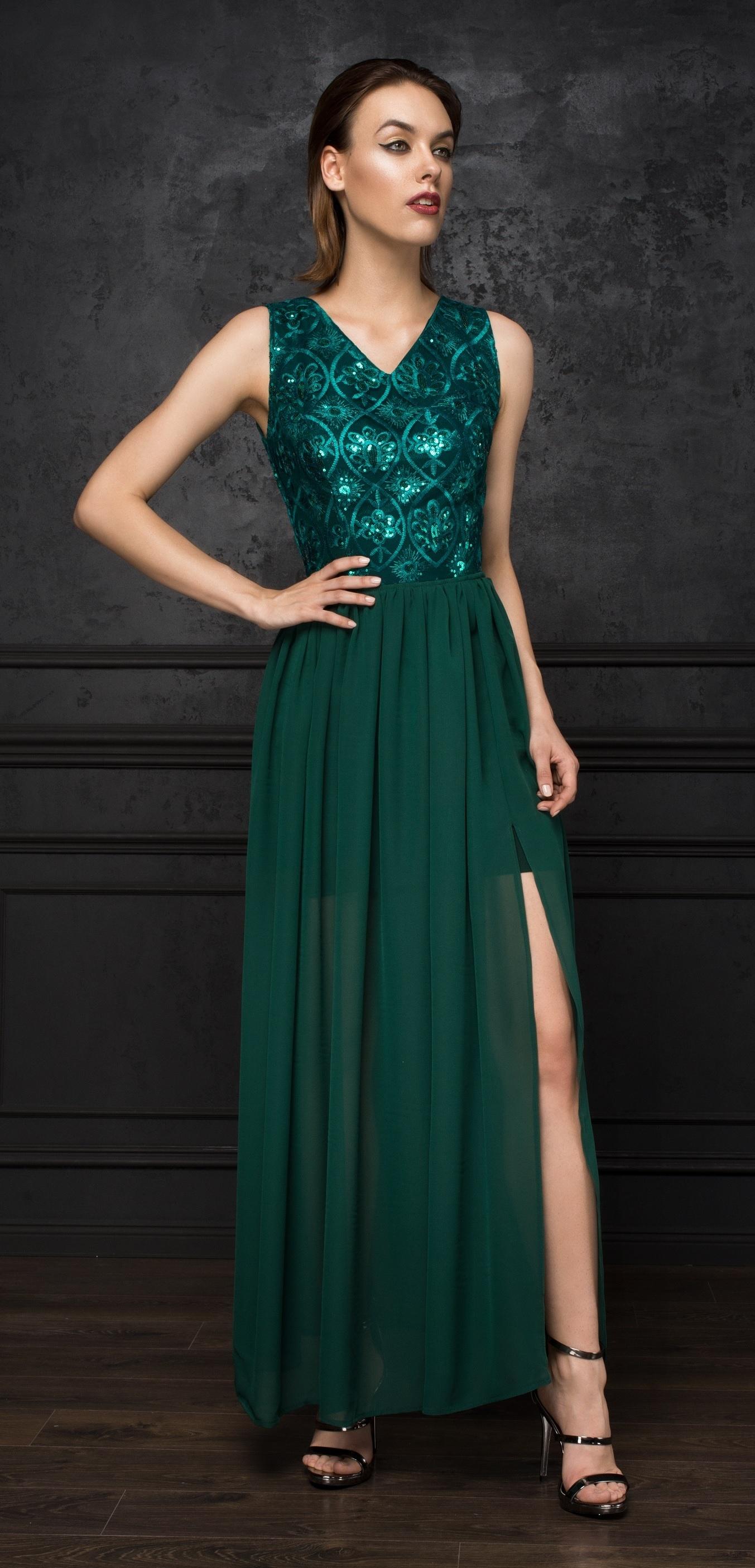1d9bb2f648bc Společenské šaty Smaragdové oko