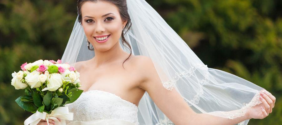 Znáte hlavní význam svatebního závoje?