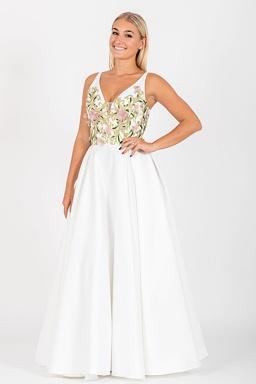 Exkluzivní svatební šaty Spanilá Růženka 5284fa74996