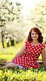 Retro šaty Čestnost, červené s velkými puntíky